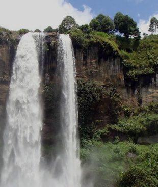 Uganda safari will take you to Sipi falls and Jinja city in the Eastern Uganda for hiking Nyero rock paintings