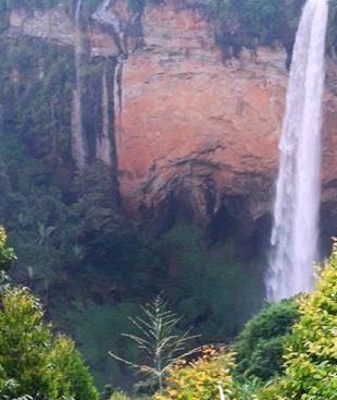 Uganda safari will take you to encounter Sipi Falls in Eastern Uganda. Sipi falls is one of the most beautiful places in Uganda